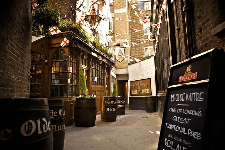Ye Olde Mitre Tavern