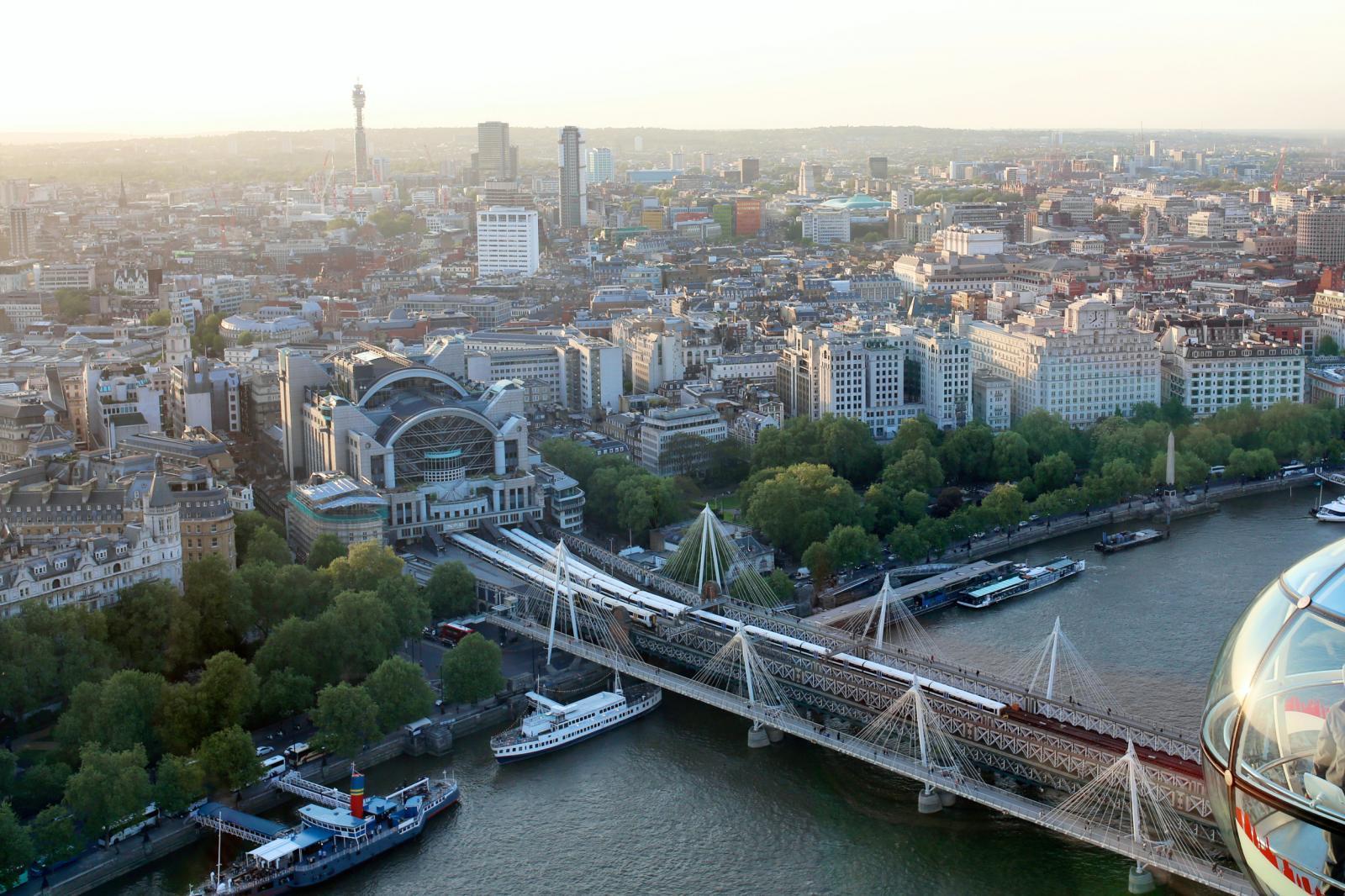 Wundervolle Aussicht von Riesenrad London Eye.