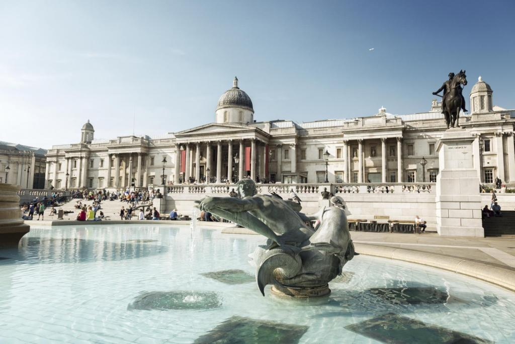 Brunnen beim Trafalgar Square in London