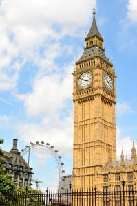 big ben der ber hmte uhrenturm in london loving london. Black Bedroom Furniture Sets. Home Design Ideas