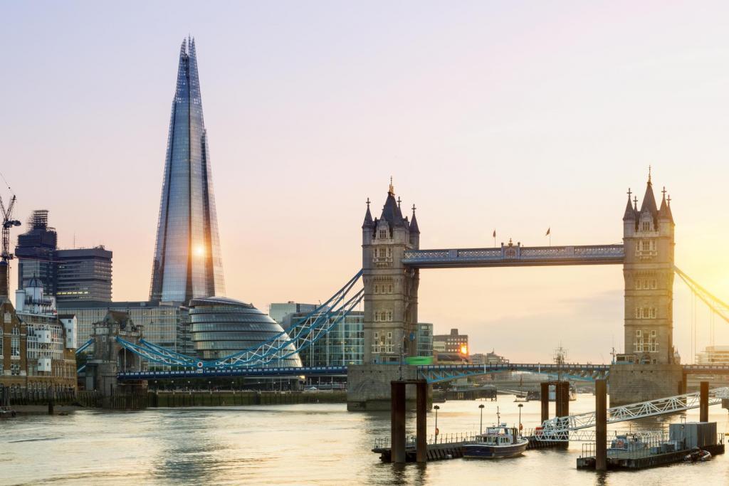 Tower Bridge und The Shard auf einem Bild