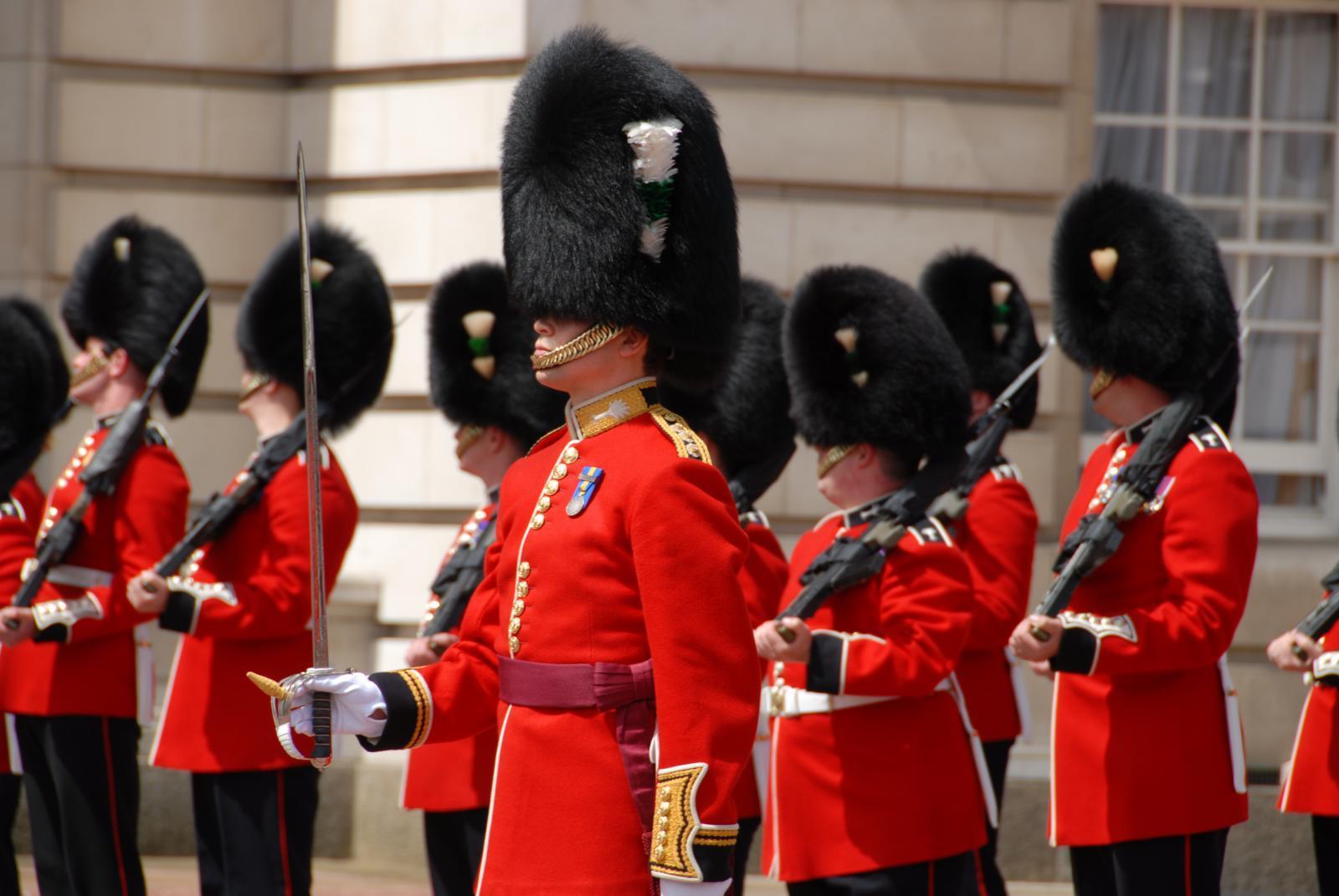 Die königliche Zeremonie des Wachenwechsels in London auch Changing the Guard genannt