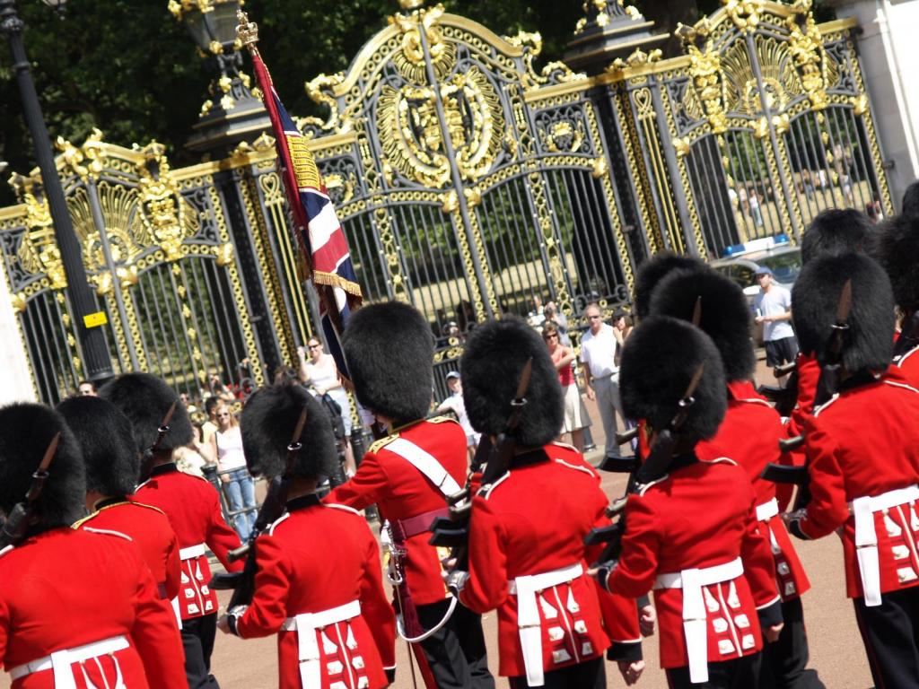 Changing the Guard vor dem Buckingham Palace