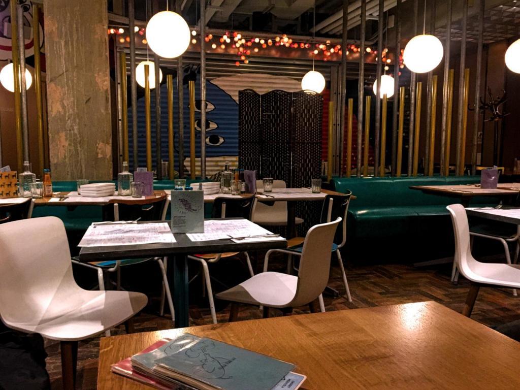 Circus hervorragendes restaurant interieur images emejing for Interieur restaurant