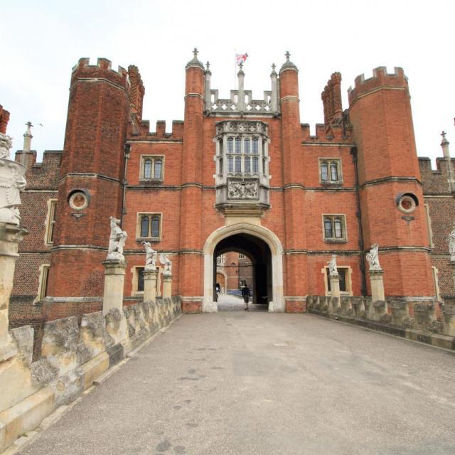 Hampton Court Palace – Das Schloss der zwei Epochen