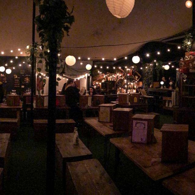 The Cauldron: Der magische Pub im Harry Potter Style