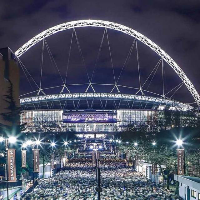 Besuch das Wembley Stadion!